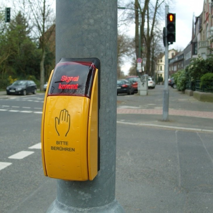 Pedestrian crossing call button