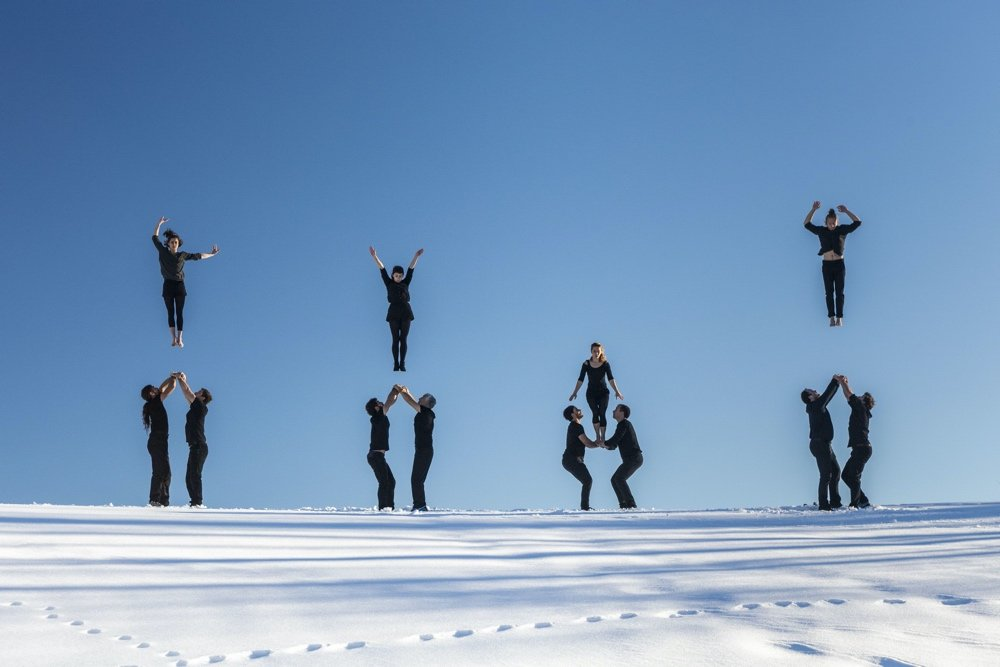 Dramatic performers on snow